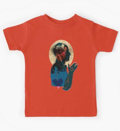 love streams - valentine day Kids Clothes