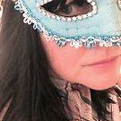 Blaue Maske Selbstporträt von Anthea  Slade
