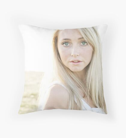 Portrait in the sun Throw Pillow