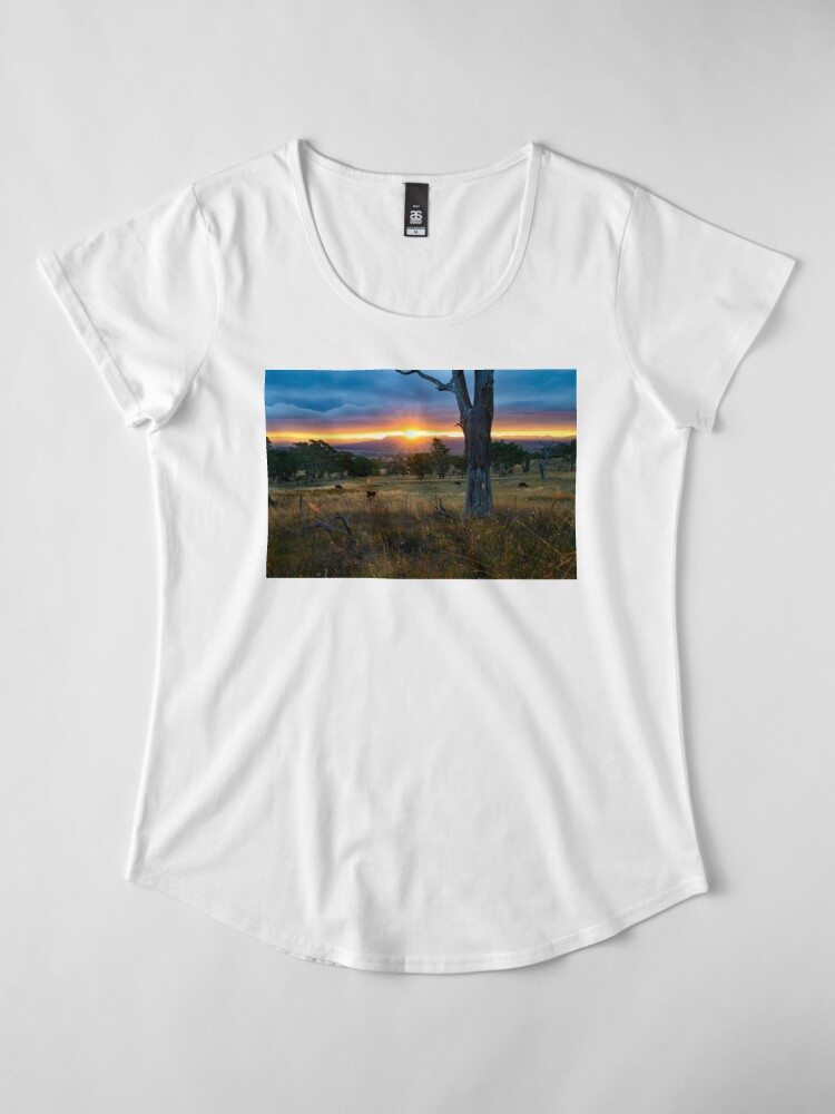 Alternate view of Sunset over the Brindabellas Premium Scoop T-Shirt