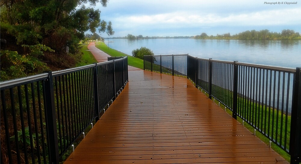 Manning River walk way 01 by kevin Chippindall