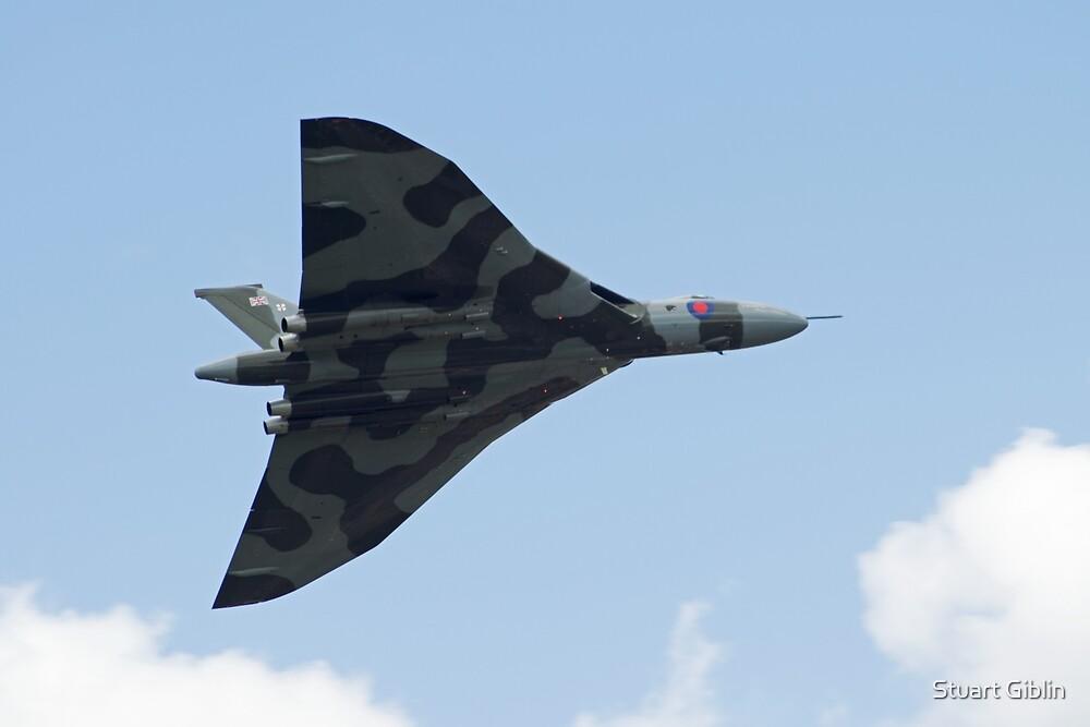 Vulcan XH558 (underside) - Barton by Stuart Giblin