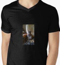 Hanni's Katze T-Shirt mit V-Ausschnitt