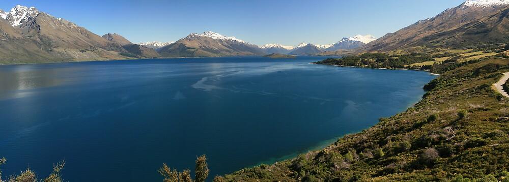 Lake Wakitupu, New Zealand by middleofaplace