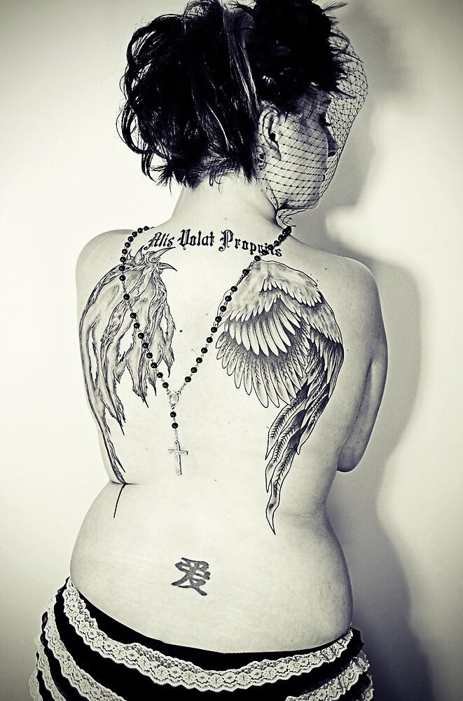 She Flies On Her Own Wings by MommaKluyt