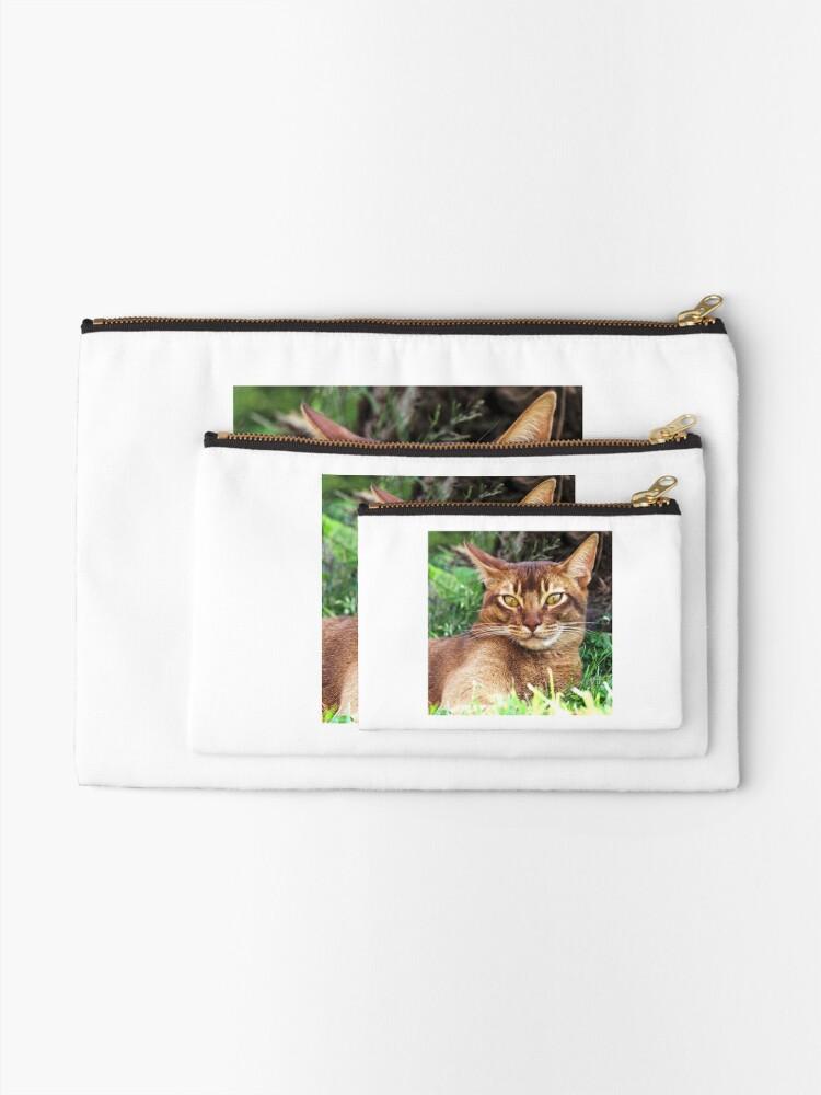 Alternate view of Abyssian Cat in Grass Zipper Pouch