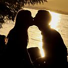 Sunset kiss by MandaP