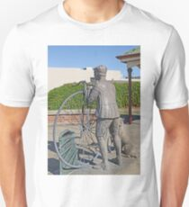 "Penny Farthing ""Time Traveller"" Statue T-Shirt"
