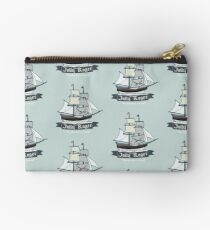 Der Jolly Roger Studio Clutch