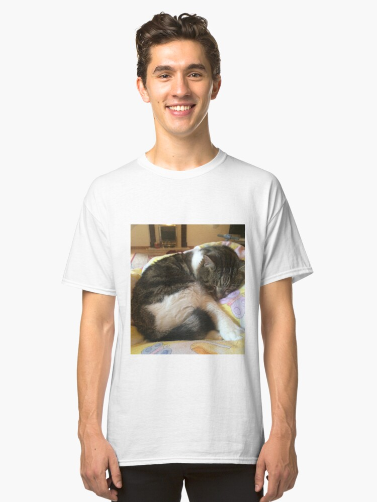 Lovely cat Classic T-Shirt Front
