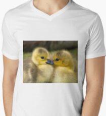 Baby Duck Love Men's V-Neck T-Shirt