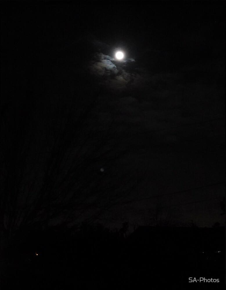 Full Moon Blackness by SA-Photos
