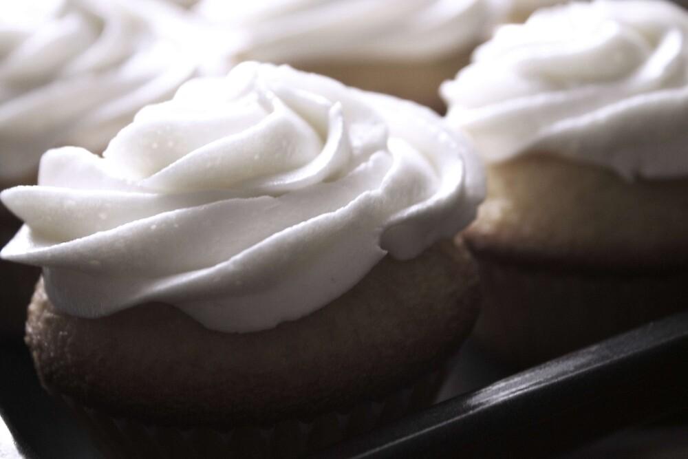 Cupcakes by blondiekat19