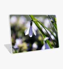 Snowdrop: Spring is here! Laptop Skin