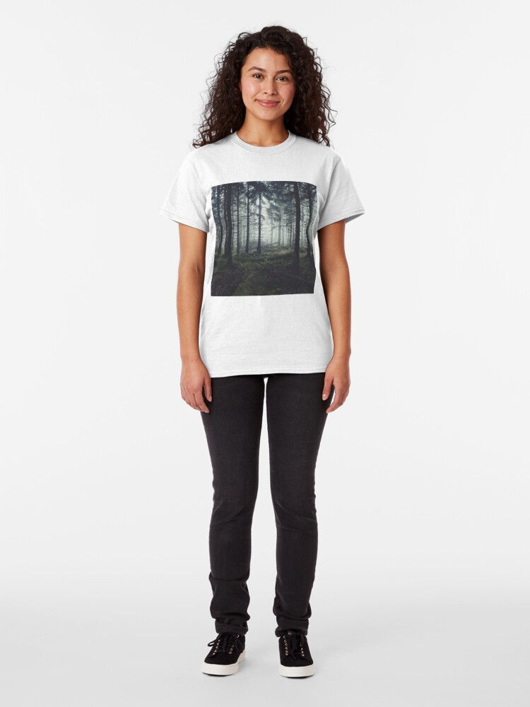 Alternative Ansicht von Through The Trees Classic T-Shirt