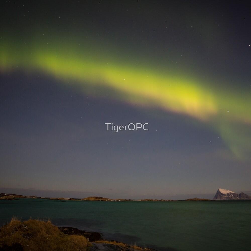 Aurora Borealis XIV by TigerOPC