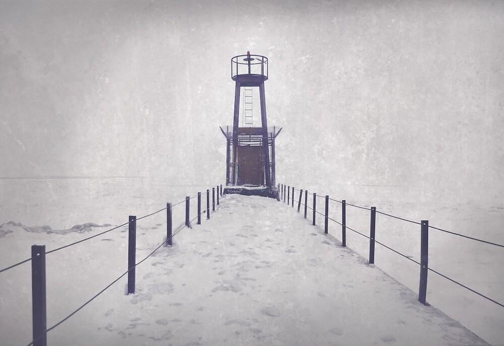 Winter Pier by gwenkrueger