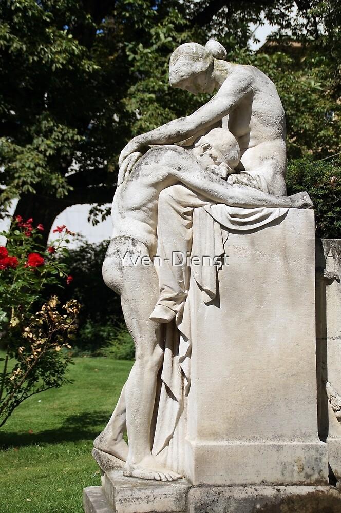 Fate fountain Stuttgart - grief - love by Yven-Dienst