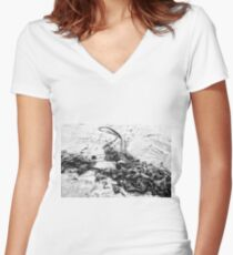 KELP MONOCHROME Women's Fitted V-Neck T-Shirt