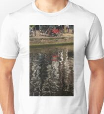 The Red Amsterdam Bicycle   T-Shirt