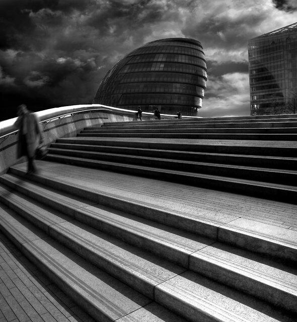 London by Michał Giedrojć