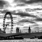 london eye by Janis Read-Walters
