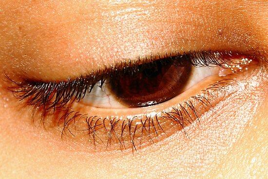 Beauty in her eyes. by debjyotinayak