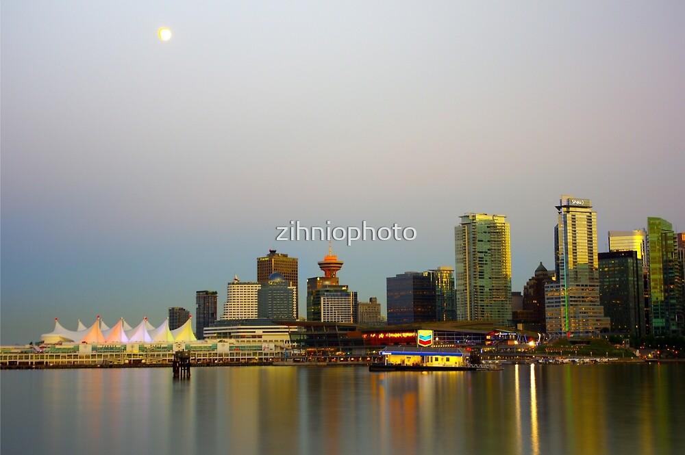 Moonlight by zihniophoto