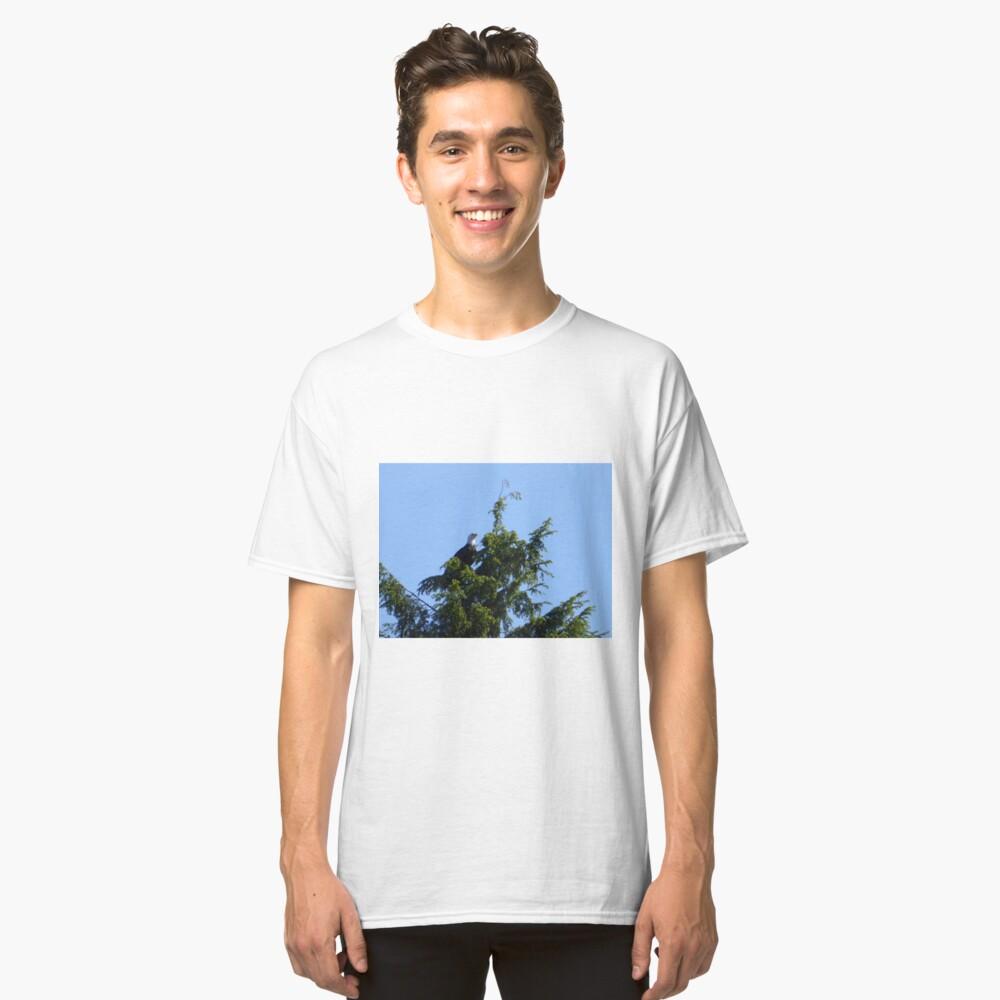 Majestic bald eagle Classic T-Shirt Front