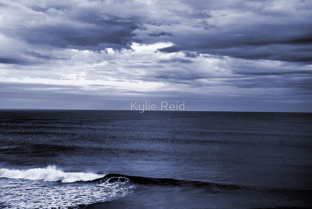 Last Wave, Logans Beach  by Kylie Reid
