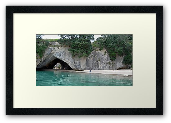 Cathedral Cove by bazcelt