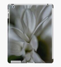 Daisy - Chrysanthemum iPad Case/Skin