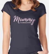 Mummy Established 2019 Fitted Scoop T-Shirt