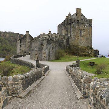 Eilean Donan Castle by EdmondHoggeJr