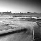 Swishing waves by Tatiana R