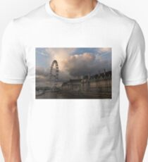Sky Drama Around the London Eye Unisex T-Shirt