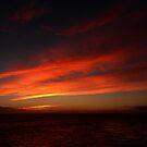 Sonnenaufgang vor der südafrikanischen Küste von GedTKirk