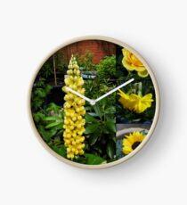 Frühlings- und Sommerblumen-Collage Uhr