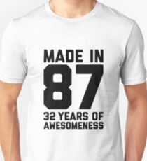 32nd Birthday Gift Adult Age 32 Year Old Men Women Mom Dad Slim Fit T-Shirt