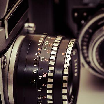 Fotografie - 2 analoge Kamera in Perspektive von pASob-dESIGN