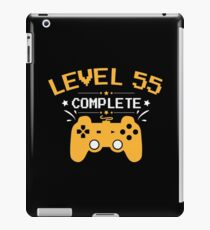 Gamer Shirt Level 55 Complete Gaming Birthday Gift Tee iPad-Hülle & Klebefolie