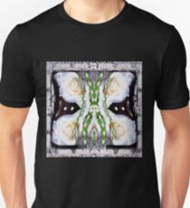 Fly with roses and wings into freedom T-Shirt