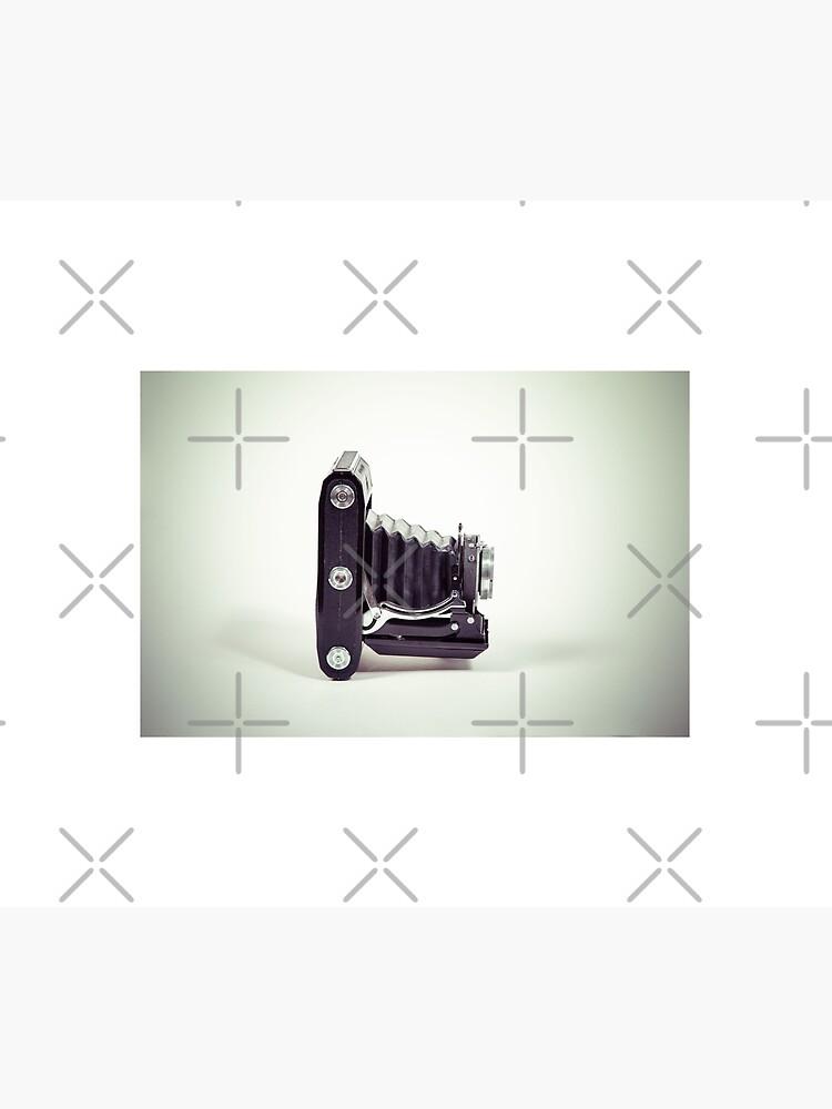 Fotografie - alte analoge Kamera von der Seite von pASob-dESIGN