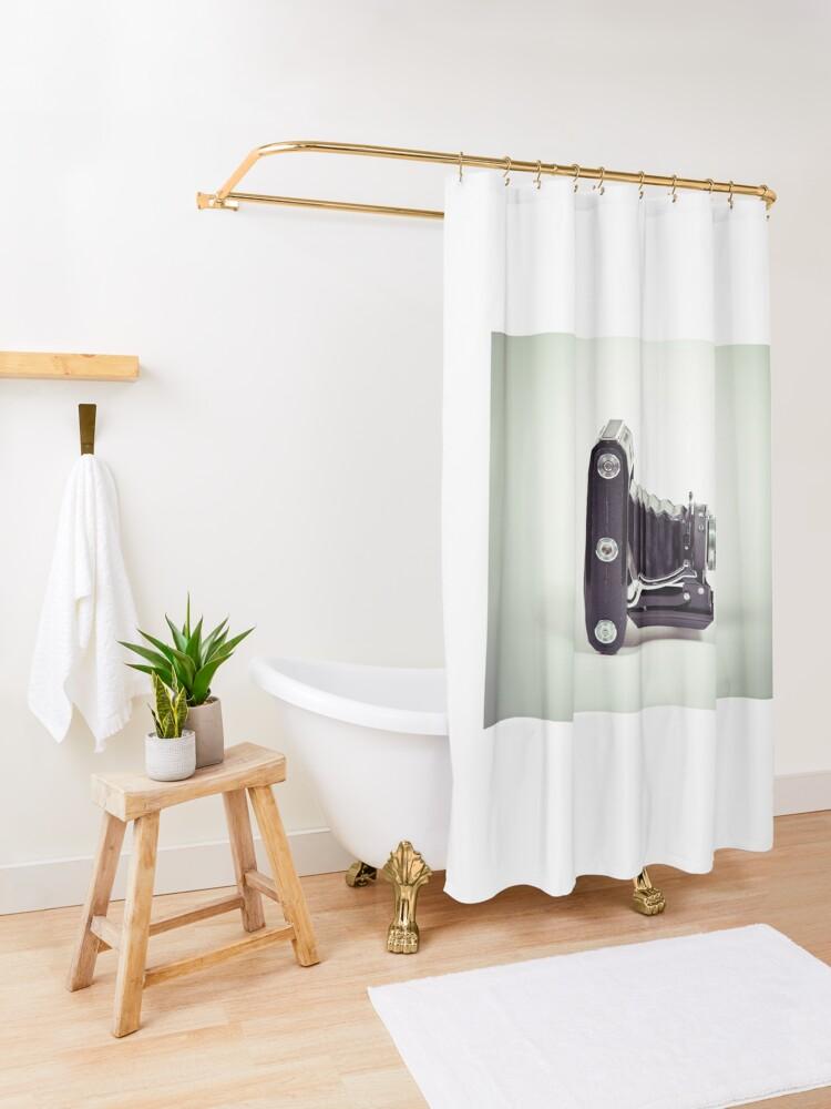 Alternative Ansicht von Fotografie - alte analoge Kamera von der Seite Duschvorhang