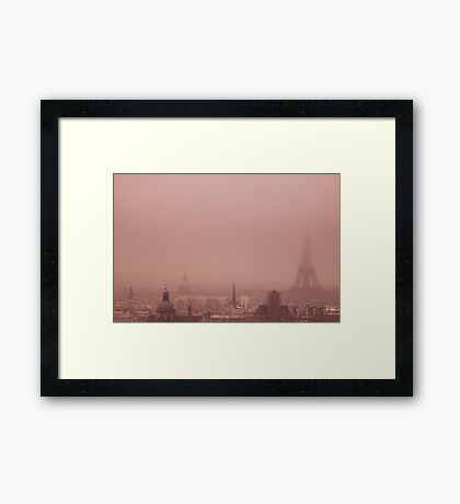 A foggy day Framed Print