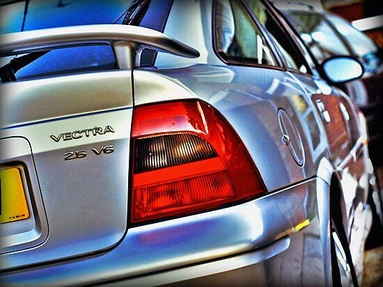 Vauxhall Vectra 2.5 V6 SRi by Mick Smith