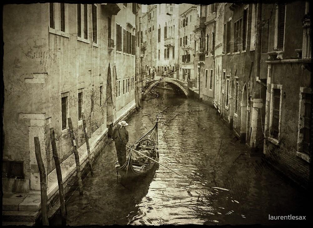 Venice canal by laurentlesax