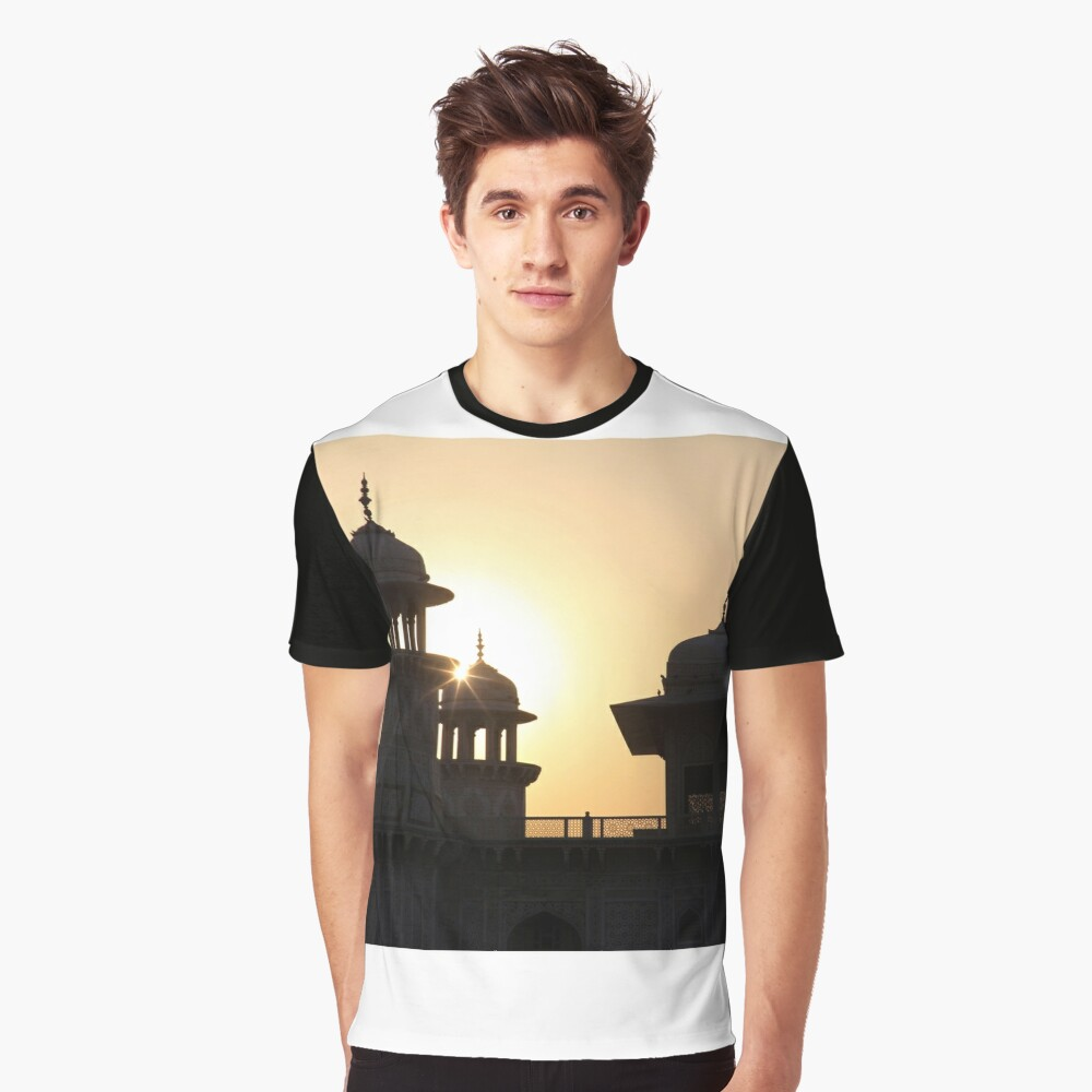 A Sunset Silhouette at the Itmad-ud-Daulah Mausoleum, Agra. Graphic T-Shirt