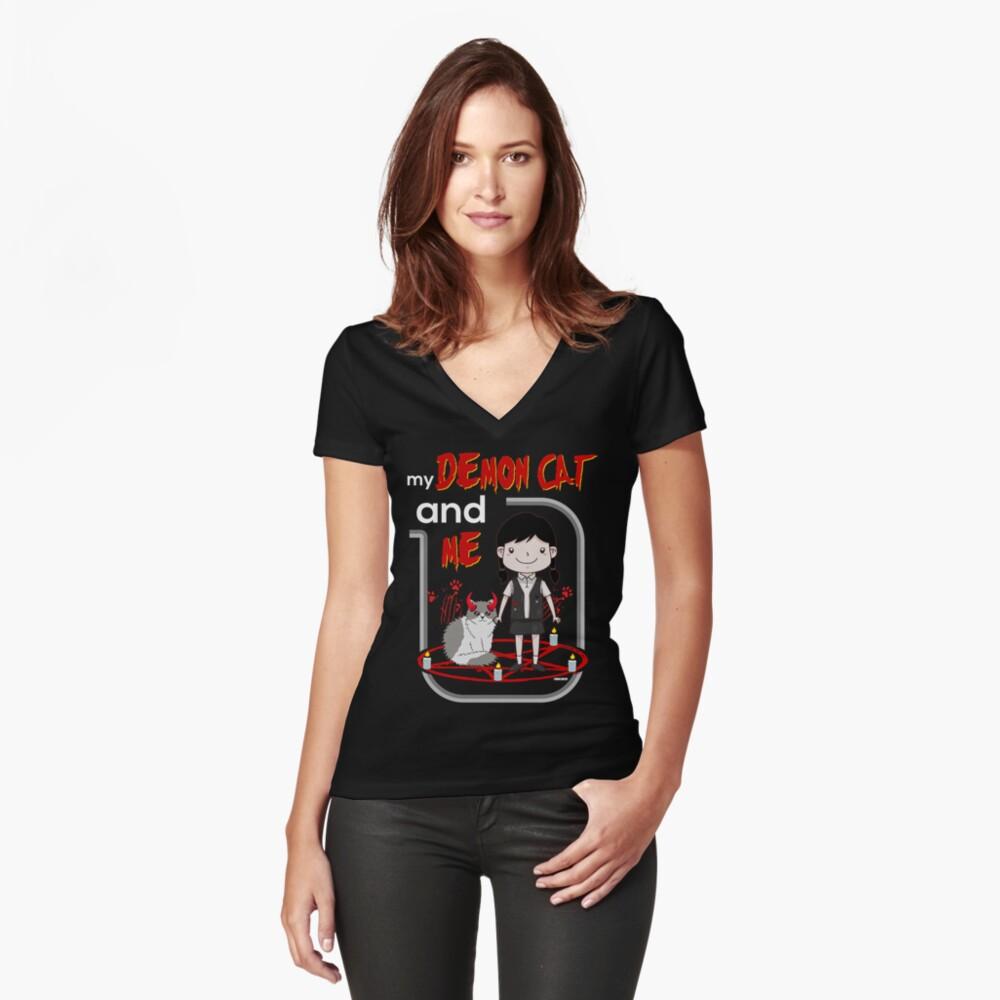 Meine Dämonenkatze und ich Tailliertes T-Shirt mit V-Ausschnitt