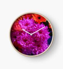 Lebendige rosa Blumen für Muttertag Uhr